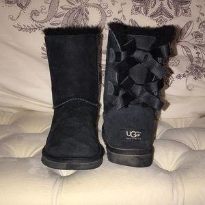 Bailey Bow UGGS (BLACK)